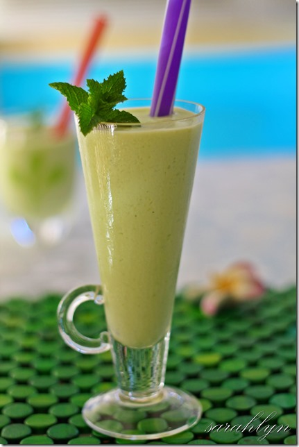 avocado smoothieW