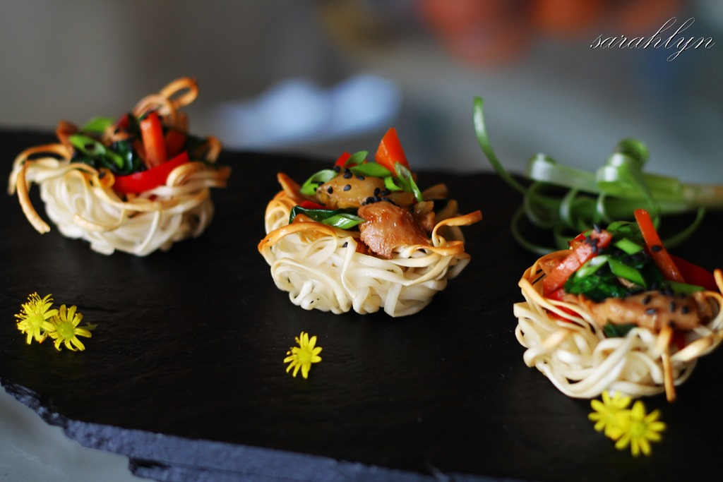 Noodle nests canap s sarahlyn 39 s kitchen for Japanese canape