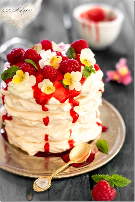 meringue stacks with delightful strawberry toppingW